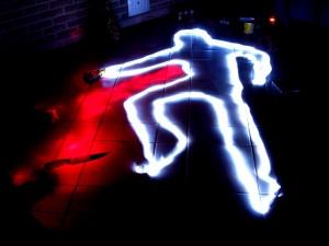 deux molinaristes se sont battus avec deux lampes et du spray
